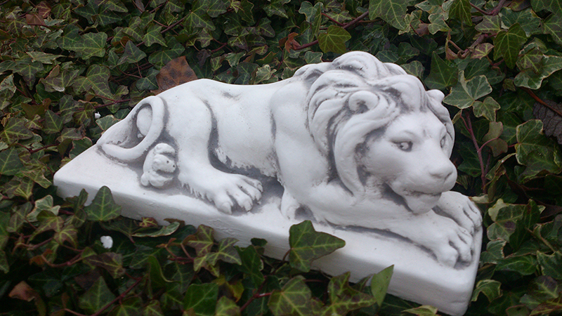 plate lion lion lying height 13 cm