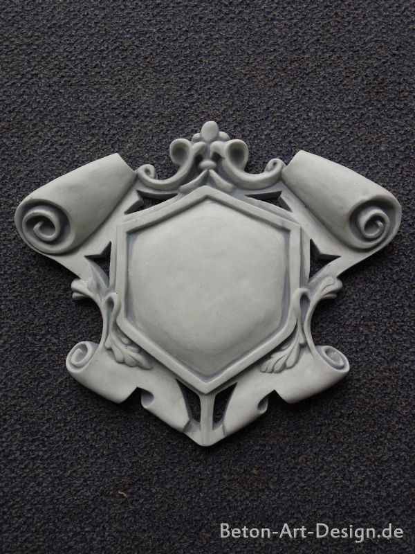 Coat of Arms Wall Art / Mauerdeko / Plaster 42 cm high