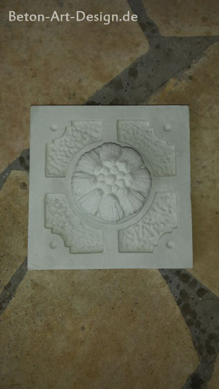 Jewelry plate relief facade stucco