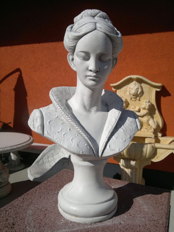 """Bust of a Woman"" gift idea - height 51 cm"