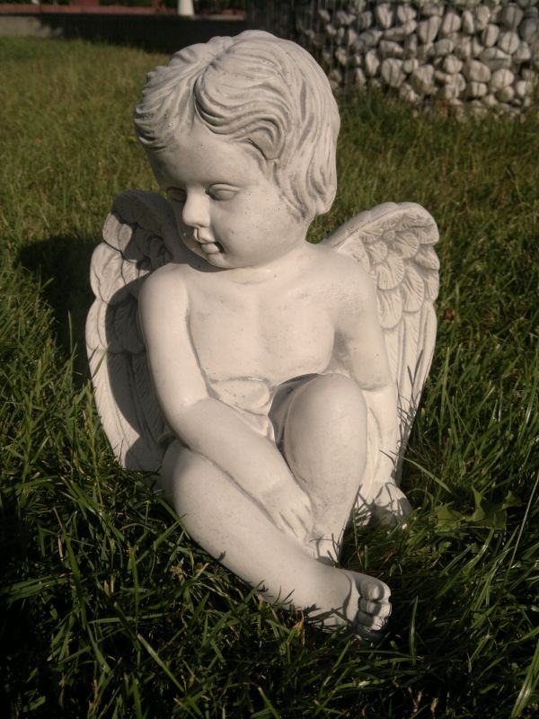 "angel figure ""Angel sitting"""