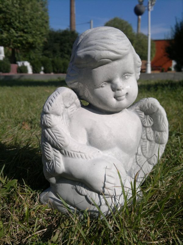 Cute Angel kneeling 2 kg 20 cm high