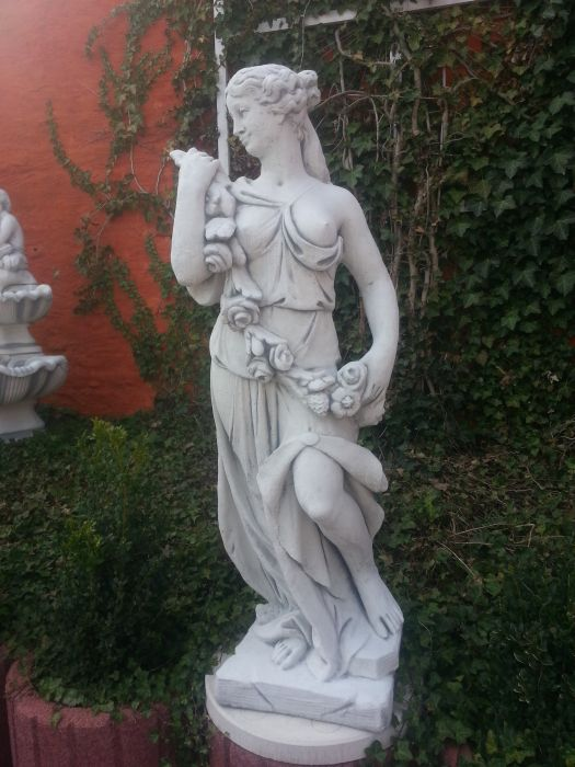 "Garden statue ""Woman with flower tendril"" 125 cm"