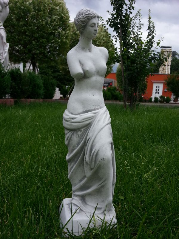 "beautiful stone statue ""Venus"" 42 cm gray patina"