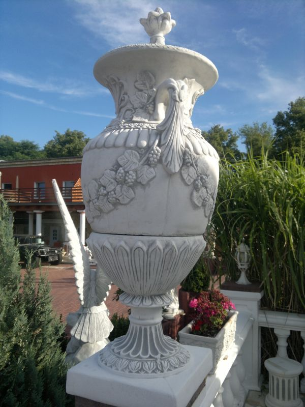Lidded Vase Baroque 160 cm tall