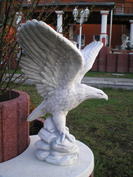 beautiful eagle statue stone figure height 59 cm - Weight 24 kg
