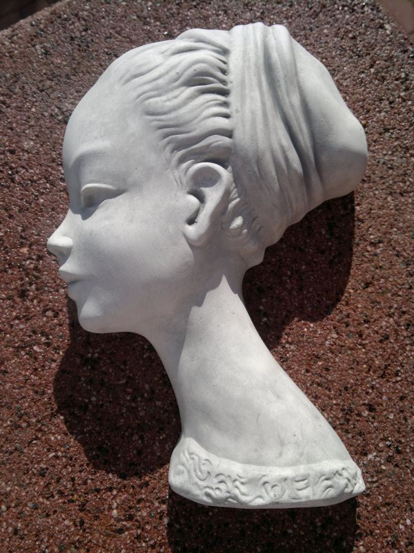 """Woman's Head"" stylish wall plate / Relief"