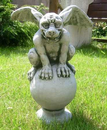 "Garden decoration stone figure Gargoyle ""wall switch on ball"""