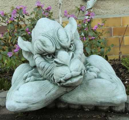 "Stone sculpture garden decorations ""gargoyle face"""