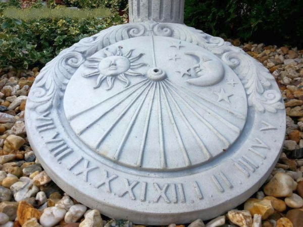 decorative sundial Ø 41.5 cm - eye-catching !!