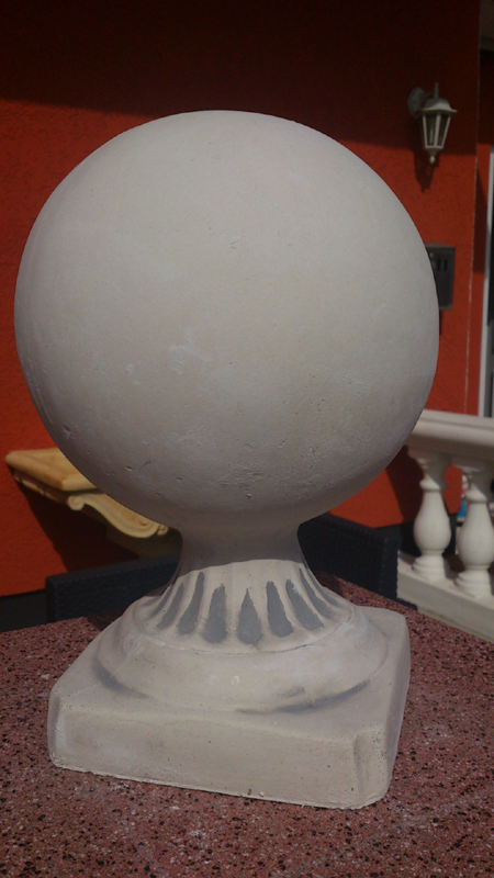 Ball with base 32 cm tall 19 kg cap for piers